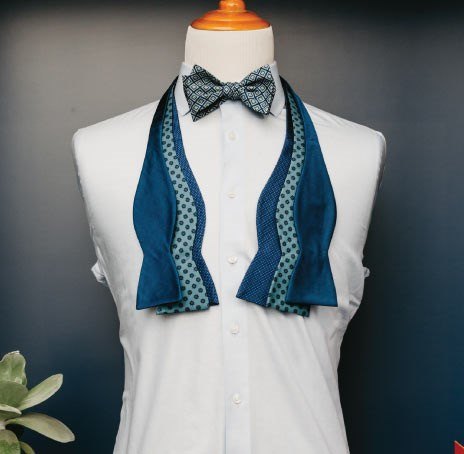 The Tie Bar Bow Tie on Mannequin