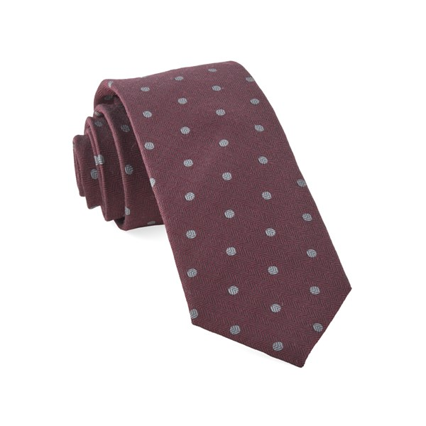 Burgundy Dotted Hitch Tie