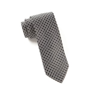 chain reaction black ties