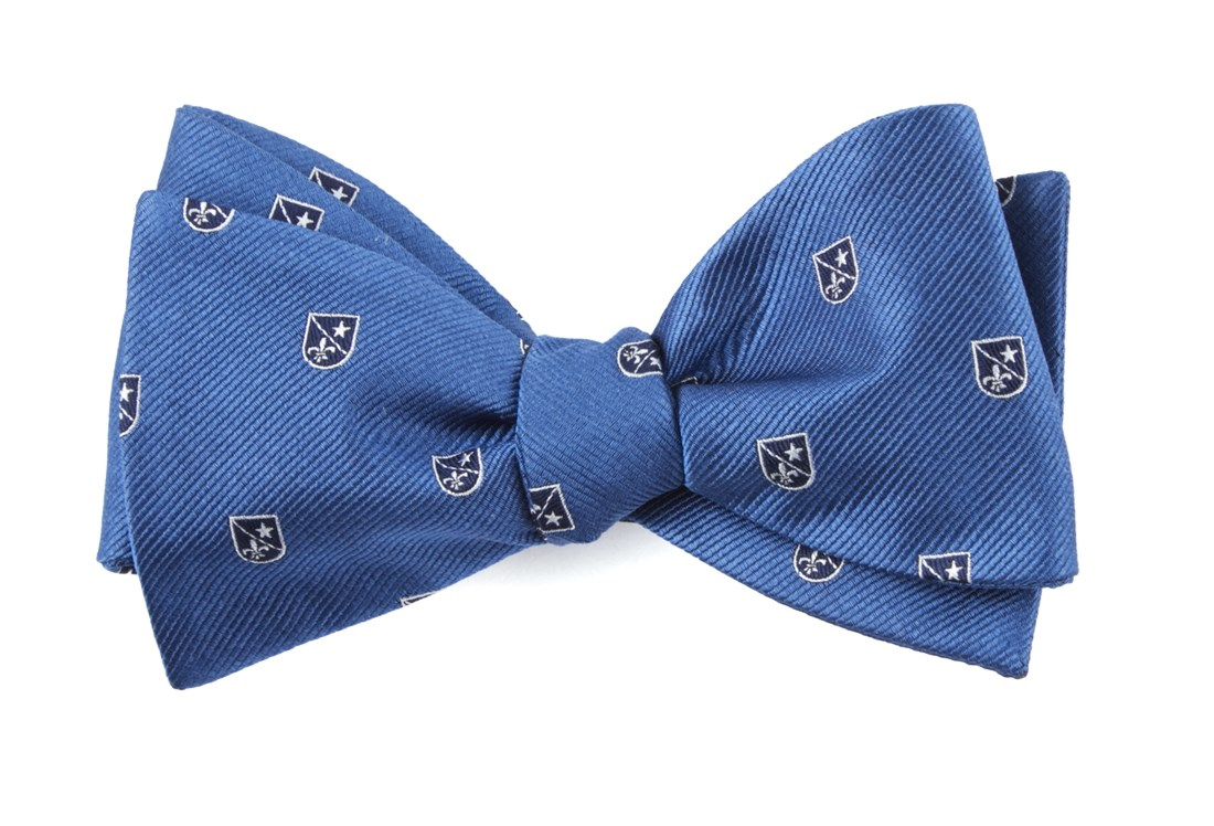 Blue First String Crest Bow Tie Men S Bow Ties The Tie Bar