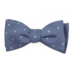 Dotted Hitch Light Blue Bow Ties